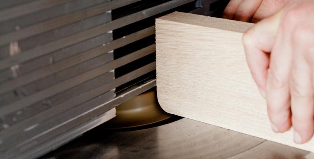 Holzbearbeitung bei Cantoni