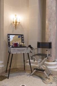 Cantoni Make-Up Schminkkoffer und Visagisten Stuhl Backstage bei Phyto