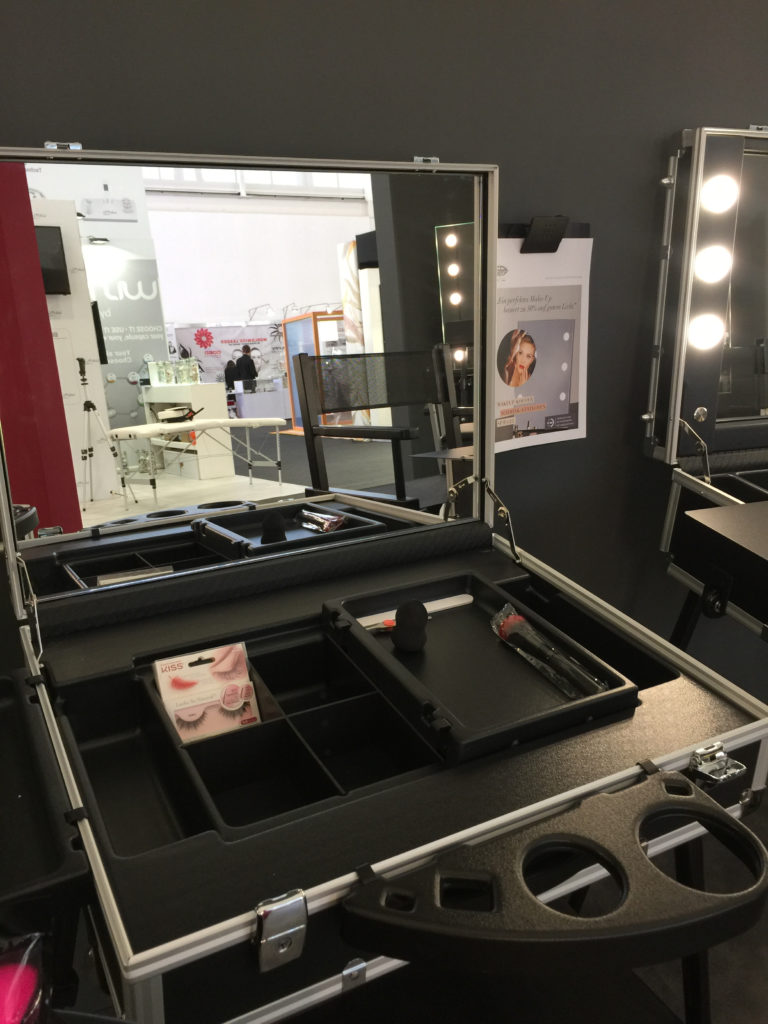 Style Trolley mit großem Spiegel