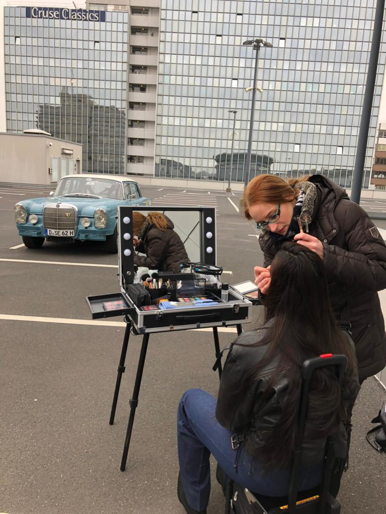Make-Up Case beim Outdoor Shooting