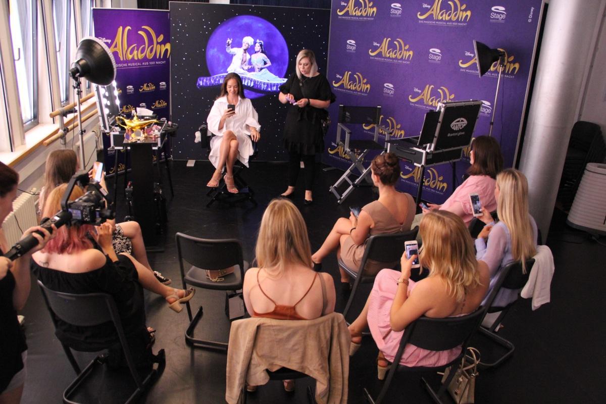 Stage Entertainment präsentiert mit Make-Up Stationen für MAC Cosmetics