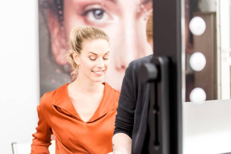 beim Brand Shooting Melanie Merle im Cantoni Studio 43C, Modell Sylvia Rendsburg, Foto NIna Wellstein, MakeUp Melanie Merle