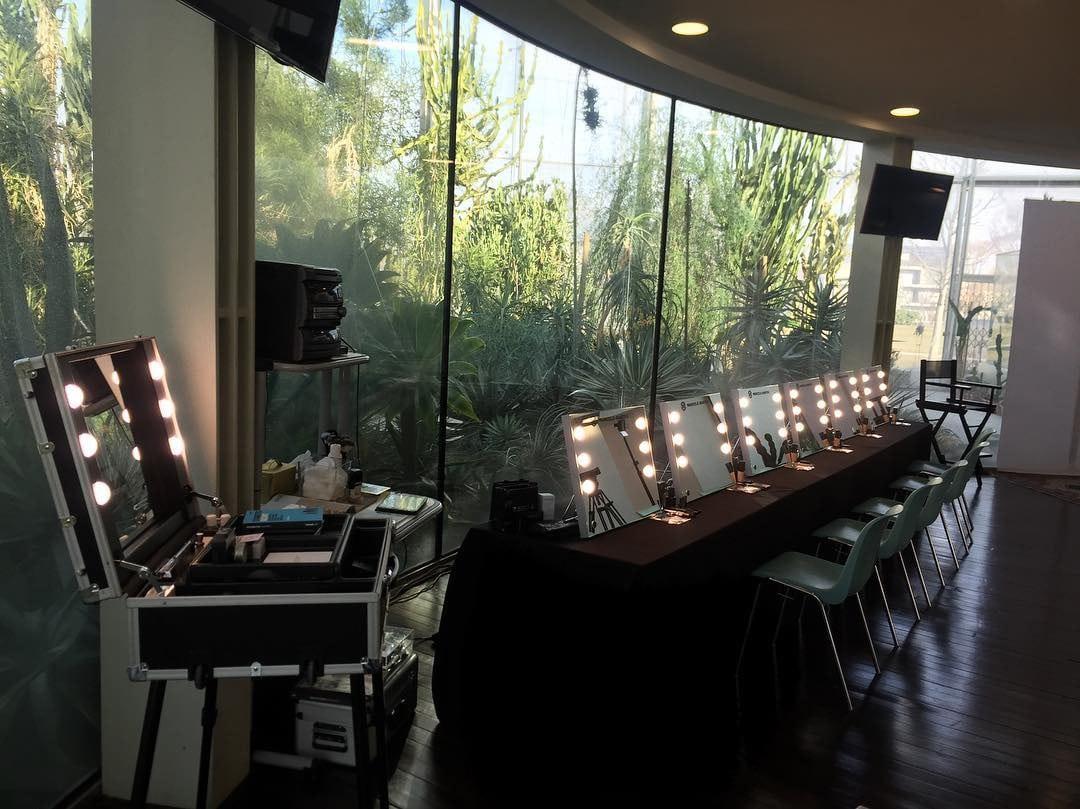 Make-Up Schule einrichten mit unserem Ladenbau Erfahrungen und Cantoni Spiegeln
