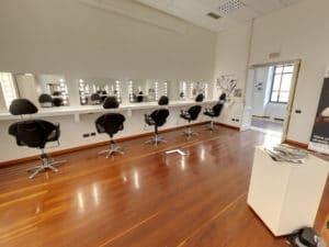 Make-Up Schule eingerichtet mit Unica by Cantoni Spiegeln